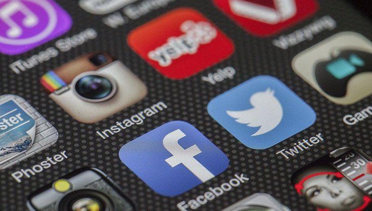 социальные сети на телефоне