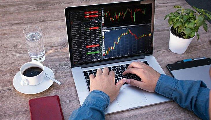 акции ноутбук фрилансер